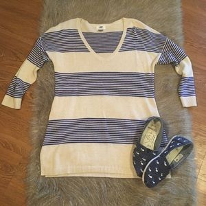 Old navy striped sweater size medium
